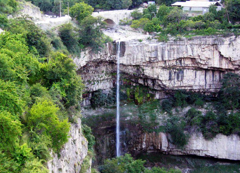 Ашильтинский водопад