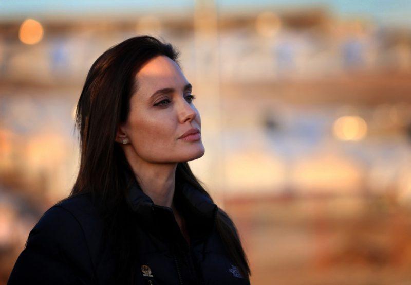Анлжелина Джоли