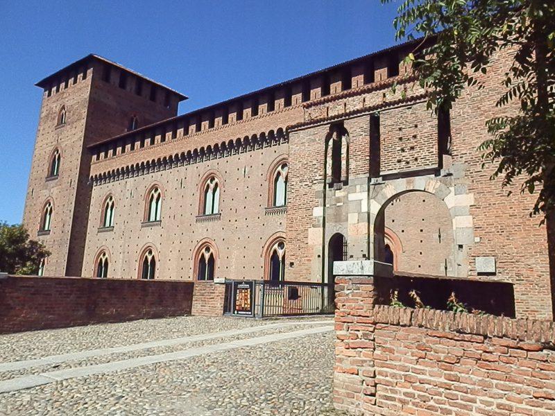 Замок Castello Visconteo