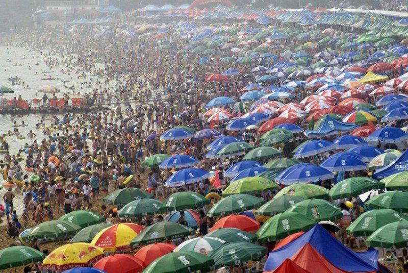Китайцы на пляже