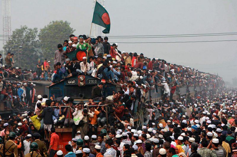 Поездка на поезде в Бангладеше