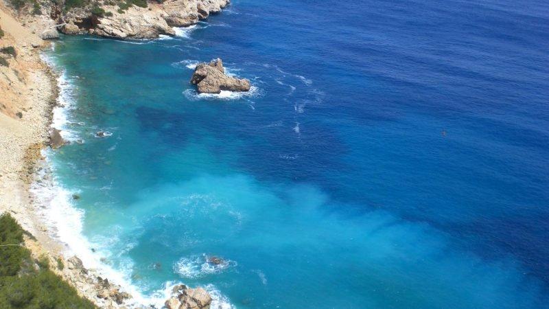 Средиземное море берег