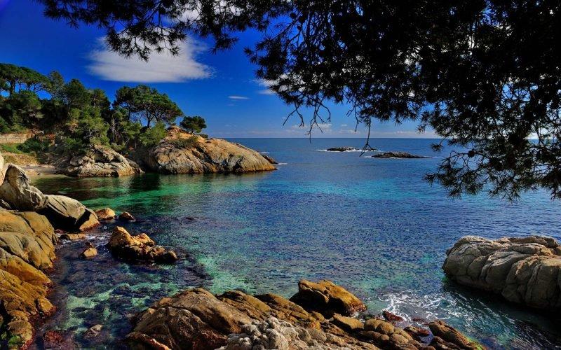 Средиземное море скалы