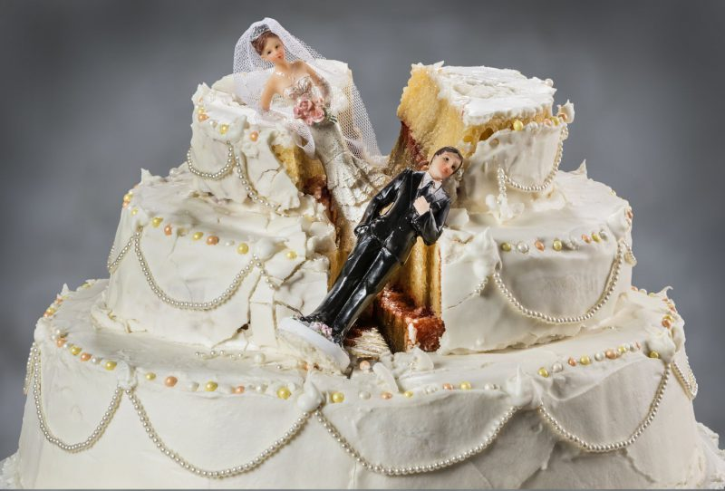 торт на свадьбу фигурки