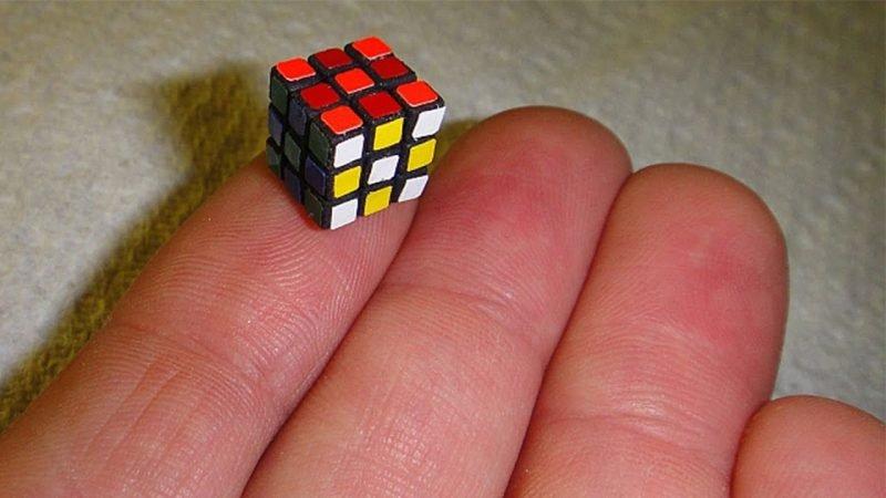 Самый маленький кубик Рубика
