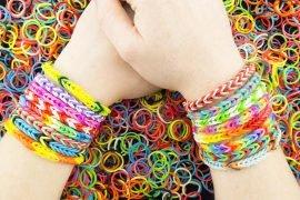 Как плести браслеты из резинок – пошаговая инструкция с картинками