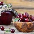 Как варить вишневое варенье?