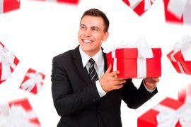 Что мужчине подарить на день рождения?