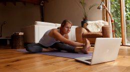 Онлайн фитнес, йога и не только: теперь можно заниматься даже дома