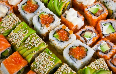 Обзор заведений с быстрой доставкой суши в г. Серов