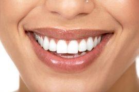 Как отбелить зубы в домашних условиях – эффективные средства