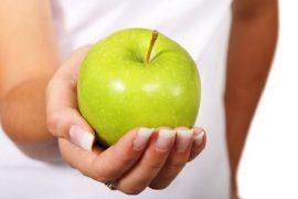 Сколько калорий в яблоке: состав и польза фрукта