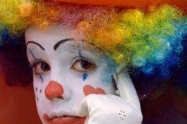Бразильские клоуны устроили митинг