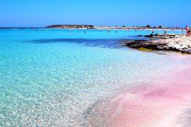 ТОП-10 самых красивых розовых пляжей в мире