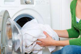 Как в домашних условиях отбелить белые вещи качественно?