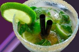 ТОП-10 популярных алкогольных коктейлей