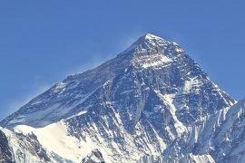 Где находится Эверест, в какой стране?