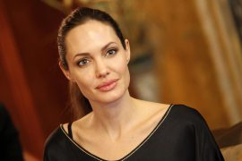 Анджелина Джоли решила окунуться в работу