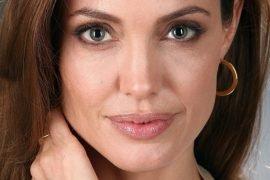 Анджелина Джоли не ладит с детьми