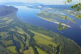 Куда впадает Волга