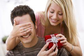 Что подарить парню на год отношений – лучшие идеи подарков