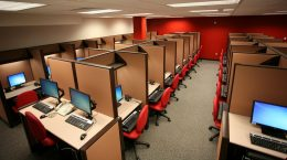 Как продавать товары и услуги без своего call-центра: услуги компании «Комус Контакт»