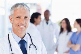 Кто такой врач остеопат, и чем он занимается?