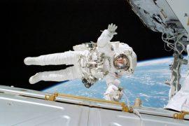 Астронавтов начнут кормить питательными батончиками