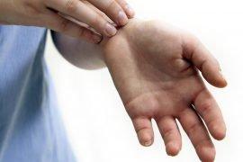 К чему чешется левая рука и отдельные ее части