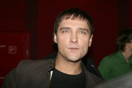 Сколько лет Юрию Шатунову?