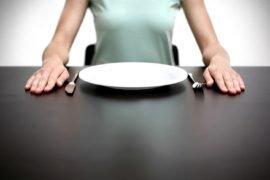 Сколько человек может прожить без еды на одной воде?