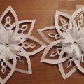 Как делать объемные снежинки из бумаги