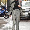 Что носить с серыми брюками? Секреты моды