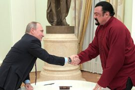 Президент поздравил Стивена Сигала с новым гражданством