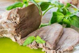 Сколько по времени нужно варить свиной язык?